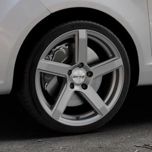 DOTZ CP5 Graphite matt Felge mit Reifen grau in 17Zoll Winterfelge Alufelge auf silbernem Ford Fiesta VI Typ JA8 ⬇️ mit 15mm Tieferlegung ⬇️ Industriehalle 1 Thumbnail