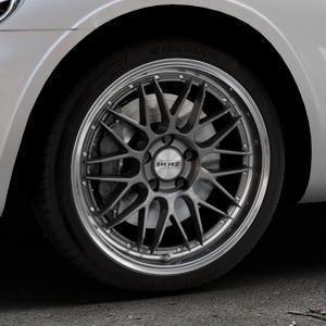 DOTZ Revvo Gunmetal polished Felge mit Reifen grau silber mehrfarbig in 18Zoll Alufelge auf silbernem Chrysler PT Cruiser Cabriolet ⬇️ mit 15mm Tieferlegung ⬇️ Industriehalle 1 Thumbnail