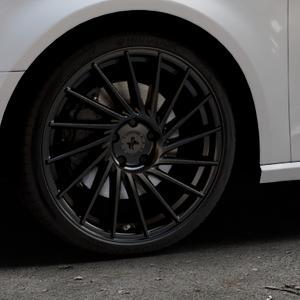 KESKIN KT17 MATT BLACK PAINTED Felge mit Reifen schwarz in 19Zoll Winterfelge Alufelge auf silbernem Audi A3 Typ 8V ⬇️ mit 15mm Tieferlegung ⬇️ Industriehalle 1 Thumbnail