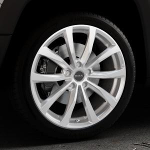 MAK Wolf Silver Felge mit Reifen silber in 19Zoll Winterfelge Alufelge auf silbernem Jeep Renegade Typ BU ⬇️ mit 15mm Tieferlegung ⬇️ Industriehalle 1 Thumbnail
