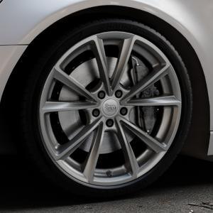MAM A5 PALLADIUM PAINTED Felge mit Reifen grau in 20Zoll Winterfelge Alufelge auf silbernem Audi A6 Typ 4G/C7 (Avant) ⬇️ mit 15mm Tieferlegung ⬇️ Industriehalle 1 Thumbnail