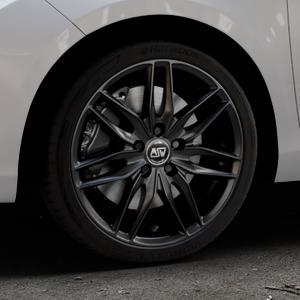 MSW 24 MATT BLACK Felge mit Reifen schwarz in 17Zoll Winterfelge Alufelge auf silbernem Toyota Yaris III Typ XP13 Facelift 17-> ⬇️ mit 15mm Tieferlegung ⬇️ Industriehalle 1 Thumbnail