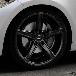 OXIGIN 18 Concave black Felge mit Reifen schwarz in 19Zoll Winterfelge Alufelge auf silbernem BMW M2 Typ F87 ⬇️ mit 15mm Tieferlegung ⬇️ Industriehalle 1 Thumbnail