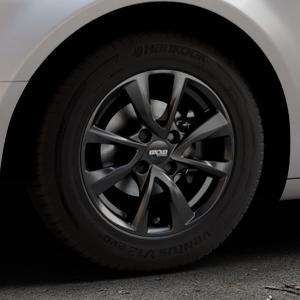 OXXO Oberon 4 Black Felge mit Reifen schwarz in 15Zoll Winterfelge Alufelge auf silbernem Citroen C5 II ⬇️ mit 15mm Tieferlegung ⬇️ Industriehalle 1 Thumbnail
