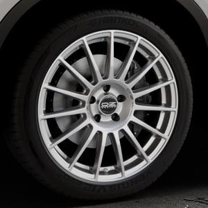 OZ RACING SUPERTURISMO DAKAR MATT RACE SILVER + BLACK LETTERING Felge mit Reifen silber in 20Zoll Winterfelge Alufelge auf silbernem BMW X6 Typ F16 (X6, X-N1) ⬇️ mit 15mm Tieferlegung ⬇️ Industriehalle 1 Thumbnail