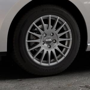 OZ RACING SUPERTURISMO GT GRIGIO CORSA Felge mit Reifen silber in 15Zoll Winterfelge Alufelge auf silbernem Seat Leon Typ 5F ST Facelift ⬇️ mit 15mm Tieferlegung ⬇️ Industriehalle 1 Thumbnail