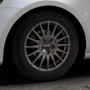 OZ RACING SUPERTURISMO GT GRIGIO CORSA Felge mit Reifen silber in 15Zoll Winterfelge Alufelge auf silbernem Volkswagen (VW) Golf 7 ⬇️ mit 15mm Tieferlegung ⬇️ Industriehalle 1 Thumbnail