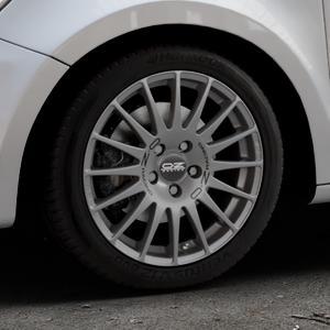 OZ RACING SUPERTURISMO GT GRIGIO CORSA Felge mit Reifen silber in 16Zoll Winterfelge Alufelge auf silbernem Audi A1 Typ 8X (Sportback) ⬇️ mit 15mm Tieferlegung ⬇️ Industriehalle 1 Thumbnail
