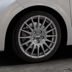 OZ RACING SUPERTURISMO GT GRIGIO CORSA Felge mit Reifen silber in 16Zoll Winterfelge Alufelge auf silbernem Kia Picanto III Typ JA ⬇️ mit 15mm Tieferlegung ⬇️ Industriehalle 1 Thumbnail