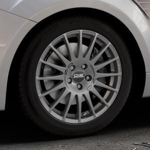 OZ RACING SUPERTURISMO GT GRIGIO CORSA Felge mit Reifen silber in 17Zoll Winterfelge Alufelge auf silbernem Ford Focus II Typ DA3 (Schrägheck) 2,5l RS 224kW (305 PS) RS500 257kW (349 ⬇️ mit 15mm Tieferlegung ⬇️ Industriehalle 1 Thumbnail
