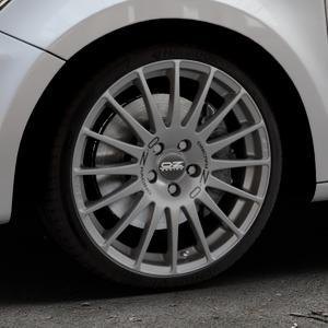 OZ RACING SUPERTURISMO GT GRIGIO CORSA Felge mit Reifen silber in 18Zoll Winterfelge Alufelge auf silbernem Audi A1 Typ 8X ⬇️ mit 15mm Tieferlegung ⬇️ Industriehalle 1 Thumbnail