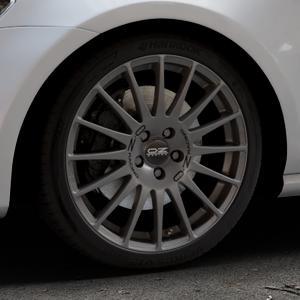 OZ RACING SUPERTURISMO GT GRIGIO CORSA Felge mit Reifen silber in 18Zoll Winterfelge Alufelge auf silbernem Volkswagen (VW) Golf 7 ⬇️ mit 15mm Tieferlegung ⬇️ Industriehalle 1 Thumbnail
