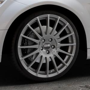 OZ RACING SUPERTURISMO GT GRIGIO CORSA Felge mit Reifen silber in 19Zoll Winterfelge Alufelge auf silbernem Mercedes C-Klasse Typ W204 Limousine ⬇️ mit 15mm Tieferlegung ⬇️ Industriehalle 1 Thumbnail