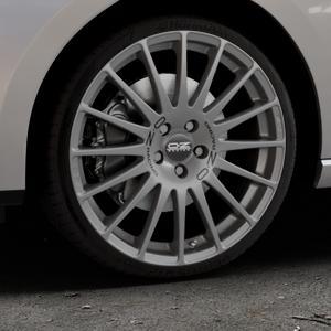 OZ RACING SUPERTURISMO GT GRIGIO CORSA Felge mit Reifen silber in 19Zoll Winterfelge Alufelge auf silbernem Seat Leon Typ 5F ST Facelift ⬇️ mit 15mm Tieferlegung ⬇️ Industriehalle 1 Thumbnail