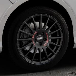 OZ RACING SUPERTURISMO GT MATT BLACK Felge mit Reifen schwarz in 18Zoll Winterfelge Alufelge auf silbernem Ford Kuga II Facelift (15->) (17->) ⬇️ mit 15mm Tieferlegung ⬇️ Industriehalle 1 Thumbnail