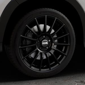 OZ RACING SUPERTURISMO LM MATT BLACK+SILVER LETTERING Felge mit Reifen schwarz in 18Zoll Winterfelge Alufelge auf silbernem Honda HR-V II (RU) ⬇️ mit 15mm Tieferlegung ⬇️ Industriehalle 1 Thumbnail