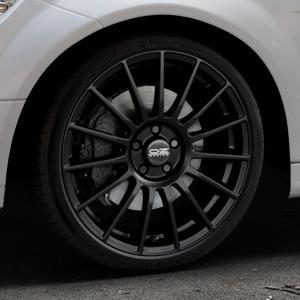 OZ RACING SUPERTURISMO LM MATT BLACK+SILVER LETTERING Felge mit Reifen schwarz in 19Zoll Winterfelge Alufelge auf silbernem Mercedes C-Klasse Typ W204 Limousine ⬇️ mit 15mm Tieferlegung ⬇️ Industriehalle 1 Thumbnail