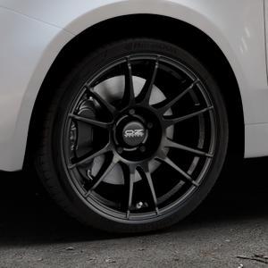 OZ RACING ULTRALEGGERA MATT BLACK Felge mit Reifen schwarz in 17Zoll Winterfelge Alufelge auf silbernem Fiat 500 Typ 312 Cabrio Facelift ⬇️ mit 15mm Tieferlegung ⬇️ Industriehalle 1 Thumbnail