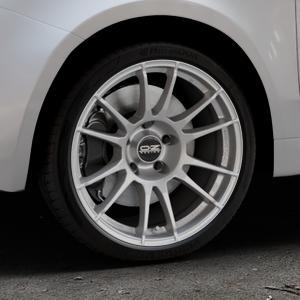OZ RACING ULTRALEGGERA MATT GRAPHITE Felge mit Reifen grau in 17Zoll Winterfelge Alufelge auf silbernem Fiat 500 Typ 312 Cabrio Facelift ⬇️ mit 15mm Tieferlegung ⬇️ Industriehalle 1 Thumbnail
