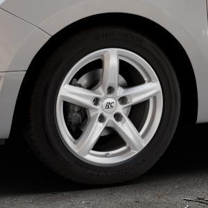 RC Design RC24 kristallsilber lackiert Felge mit Reifen in 15Zoll Winterfelge Alufelge auf silbernem Dacia Logan II Typ SD ⬇️ mit 15mm Tieferlegung ⬇️ Industriehalle 1 Thumbnail