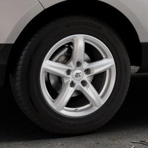 RC Design RC24 kristallsilber lackiert Felge mit Reifen in 15Zoll Winterfelge Alufelge auf silbernem Ford EcoSport Typ JK8 ⬇️ mit 15mm Tieferlegung ⬇️ Industriehalle 1 Thumbnail