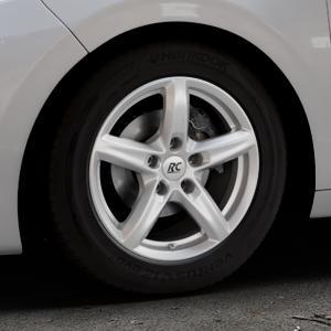 RC Design RC24 kristallsilber lackiert Felge mit Reifen in 15Zoll Winterfelge Alufelge auf silbernem Peugeot 208 Typ C ⬇️ mit 15mm Tieferlegung ⬇️ Industriehalle 1 Thumbnail
