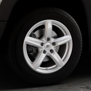 RC Design RC24 kristallsilber lackiert Felge mit Reifen in 16Zoll Winterfelge Alufelge auf silbernem Jeep Renegade Typ BU ⬇️ mit 15mm Tieferlegung ⬇️ Industriehalle 1 Thumbnail