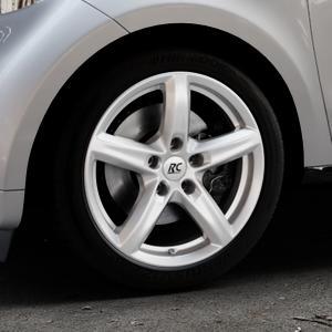 RC Design RC24 kristallsilber lackiert Felge mit Reifen in 16Zoll Winterfelge Alufelge auf silbernem Smart Forfour II (453) ⬇️ mit 15mm Tieferlegung ⬇️ Industriehalle 1 Thumbnail