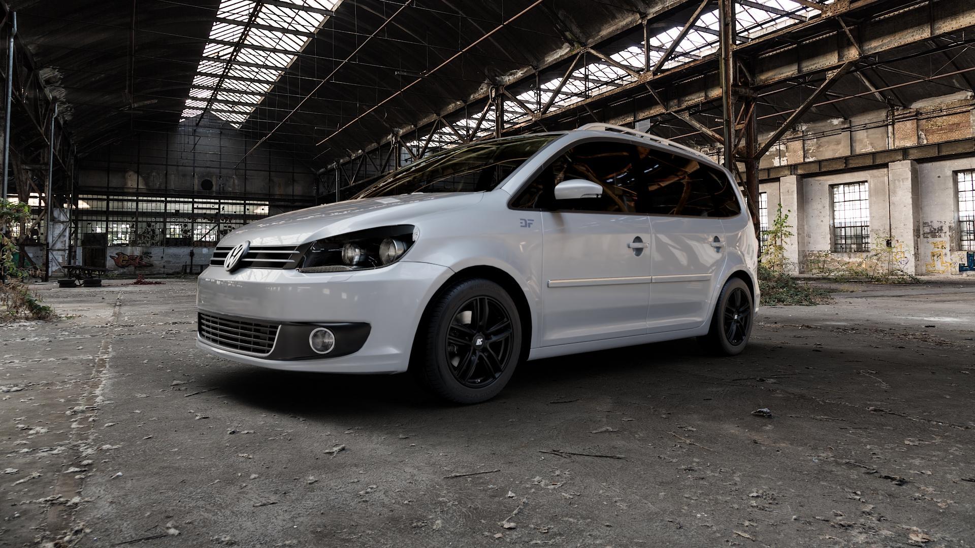 RC Design RC27 schwarz-matt lackiert Felge mit Reifen in 16Zoll Winterfelge Alufelge auf silbernem Volkswagen (VW) Touran I Typ 1T II ⬇️ mit 15mm Tieferlegung ⬇️ Industriehalle 1 Camera_000