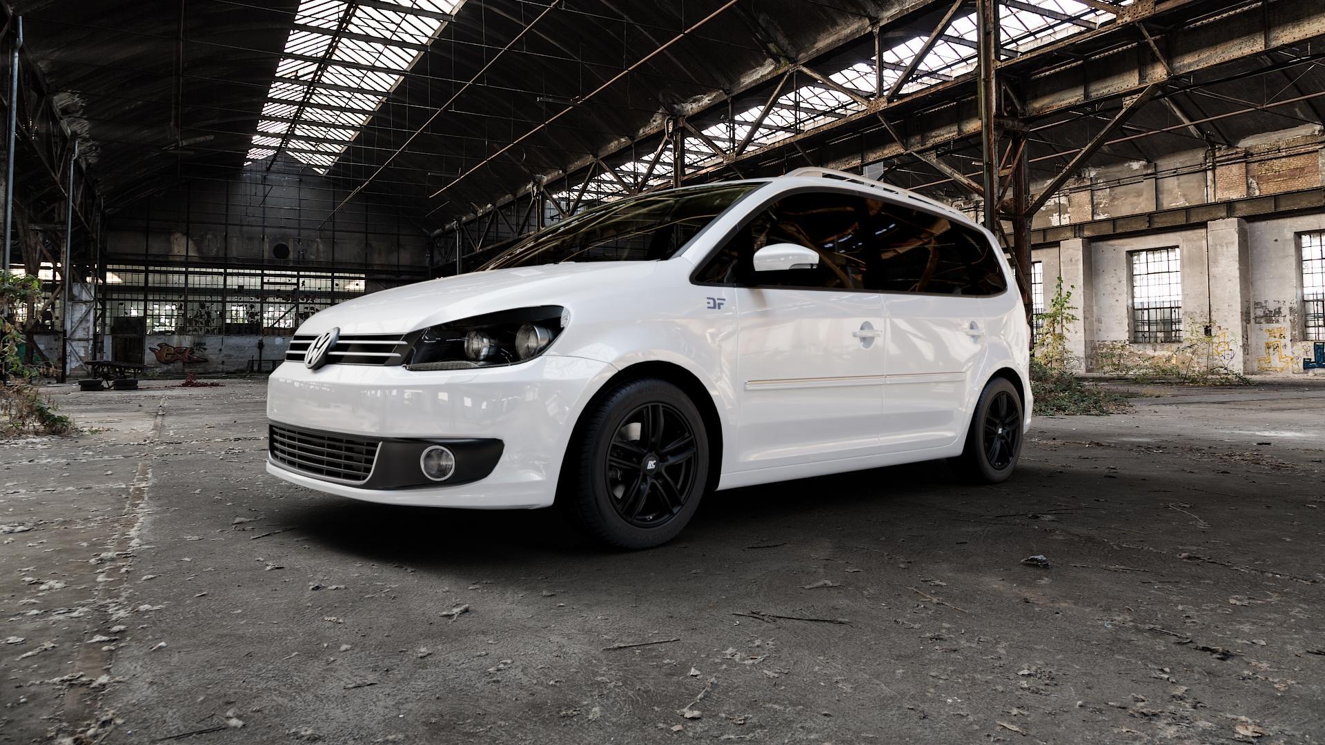 RC Design RC27 schwarz-matt lackiert Felge mit Reifen in 16Zoll Winterfelge Alufelge auf weissem Volkswagen (VW) Touran I Typ 1T II ⬇️ mit 15mm Tieferlegung ⬇️ Industriehalle 1 Camera_000