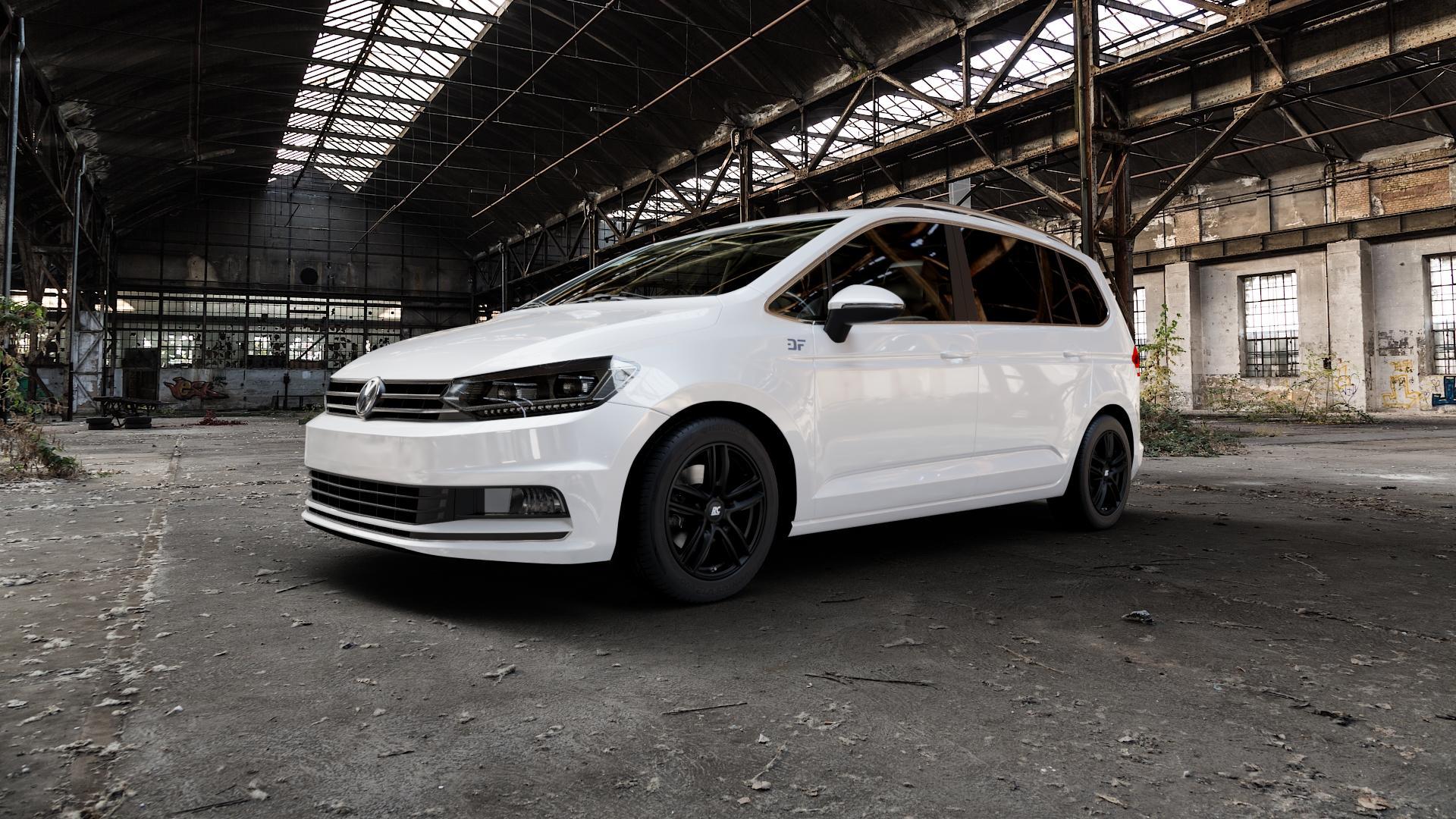 RC Design RC27 schwarz-matt lackiert Felge mit Reifen in 16Zoll Winterfelge Alufelge auf weissem Volkswagen (VW) Touran III Typ 1T (15->) ⬇️ mit 15mm Tieferlegung ⬇️ Industriehalle 1 Camera_000
