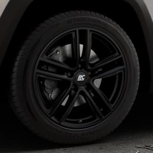 RC Design RC27 schwarz-matt lackiert Felge mit Reifen in 18Zoll Winterfelge Alufelge auf silbernem Jeep Cherokee Typ KL Trailhawk ⬇️ mit 15mm Tieferlegung ⬇️ Industriehalle 1 Thumbnail
