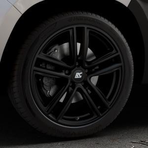 RC Design RC27 schwarz-matt lackiert Felge mit Reifen in 19Zoll Winterfelge Alufelge auf silbernem Dacia Duster Typ SR ⬇️ mit 15mm Tieferlegung ⬇️ Industriehalle 1 Thumbnail