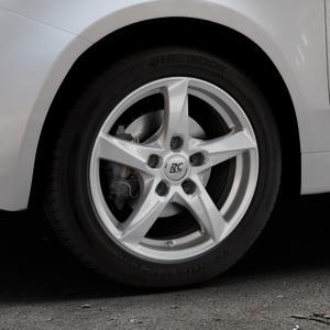 RC Design RC30 kristallsilber lackiert Felge mit Reifen in 15Zoll Winterfelge Alufelge auf silbernem Fiat 500 Typ 312 Cabrio Facelift ⬇️ mit 15mm Tieferlegung ⬇️ Industriehalle 1 Thumbnail