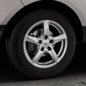RC Design RC30 kristallsilber lackiert Felge mit Reifen in 15Zoll Winterfelge Alufelge auf silbernem Ford EcoSport Typ JK8 Facelift ⬇️ mit 15mm Tieferlegung ⬇️ Industriehalle 1 Thumbnail