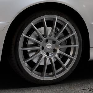 Tec Speedwheels AS2 gun metal Felge mit Reifen grau in 19Zoll Winterfelge Alufelge auf silbernem BMW 520i Typ E39 (Limousine) 523i 525i 528i 530i 520d 525tds 530d 525d (Touring) 535i 540i 525td ⬇️ mit 15mm Tieferlegung ⬇️ Industriehalle 1 Thumbnail