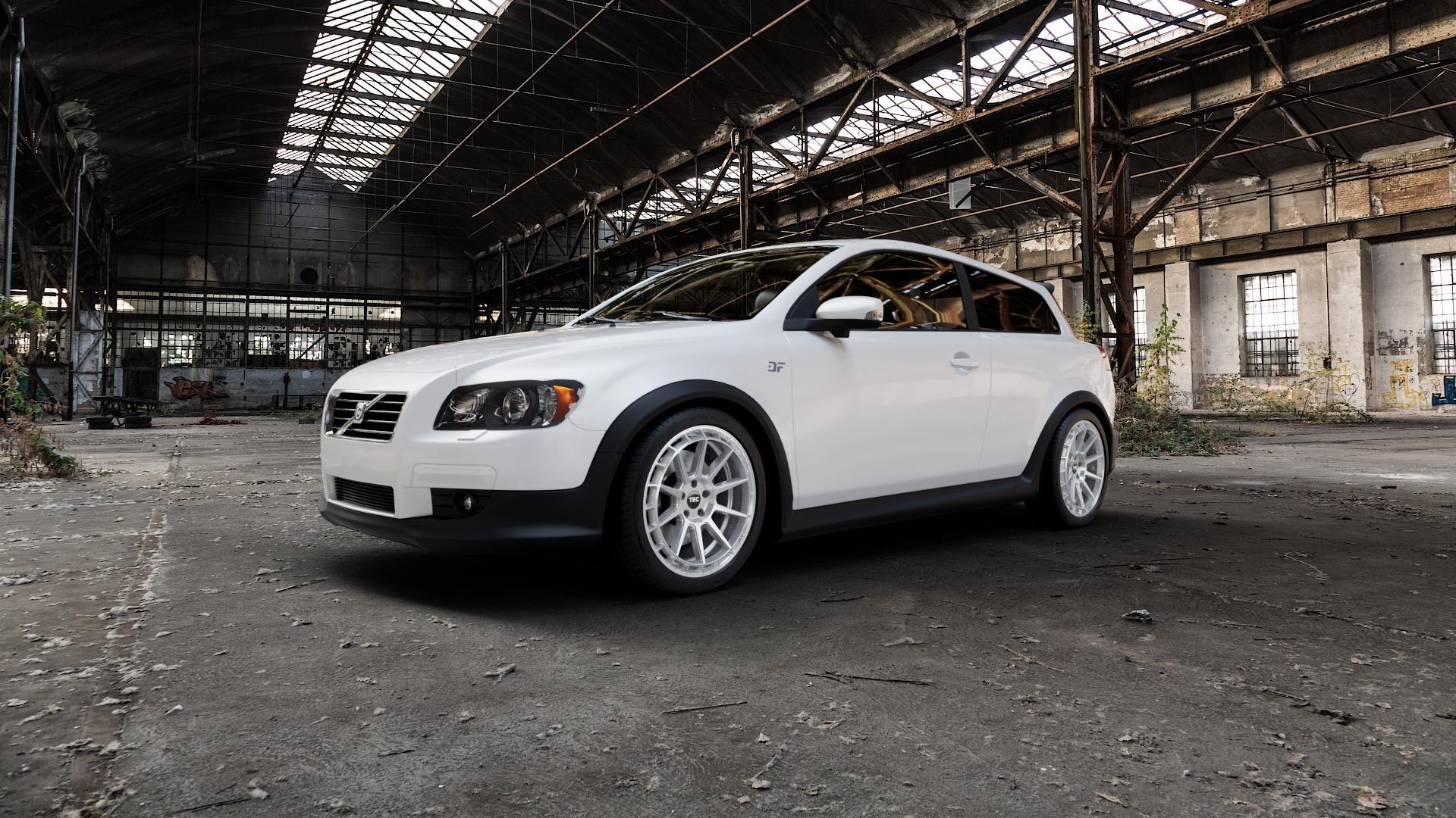 Tec Speedwheels GT8 Hyper Silber Felge mit Reifen in 18Zoll Winterfelge Alufelge auf weissem Volvo C30 ⬇️ mit 15mm Tieferlegung ⬇️ Industriehalle 1 Camera_000
