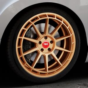 Tec Speedwheels GT8 rosé gold Felge mit Reifen in 20Zoll Winterfelge Alufelge auf silbernem Bentley Continental Flying Spur GT GTC ⬇️ mit 15mm Tieferlegung ⬇️ Industriehalle 1 Thumbnail