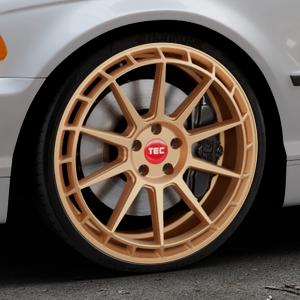 Tec Speedwheels GT8 rosé gold Felge mit Reifen in 20Zoll Winterfelge Alufelge auf silbernem BMW 316i Typ E46 (Limousine) 318i 320i 323i 328i 325i 330d 330xd 330i 318d 320d 325xi 330xi ⬇️ mit 15mm Tieferlegung ⬇️ Industriehalle 1 Thumbnail
