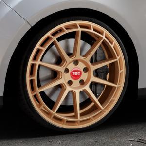 Tec Speedwheels GT8 rosé gold Felge mit Reifen in 20Zoll Winterfelge Alufelge auf silbernem Ford Focus III Typ DYB (Turnier) ⬇️ mit 15mm Tieferlegung ⬇️ Industriehalle 1 Thumbnail