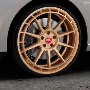 Tec Speedwheels GT8 rosé gold Felge mit Reifen in 20Zoll Winterfelge Alufelge auf silbernem Seat Leon Typ 5F ST Facelift ⬇️ mit 15mm Tieferlegung ⬇️ Industriehalle 1 Thumbnail