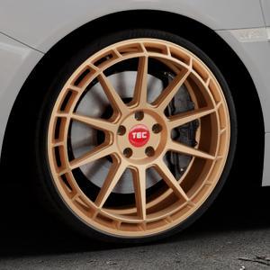 Tec Speedwheels GT8 rosé gold Felge mit Reifen in 20Zoll Winterfelge Alufelge auf silbernem Subaru WRX Typ V1 2,5l STI AWD 221kW (300 PS) ⬇️ mit 15mm Tieferlegung ⬇️ Industriehalle 1 Thumbnail