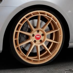 Tec Speedwheels GT8 rosé gold Felge mit Reifen in 20Zoll Winterfelge Alufelge auf silbernem Volkswagen (VW) Golf 7 ⬇️ mit 15mm Tieferlegung ⬇️ Industriehalle 1 Thumbnail