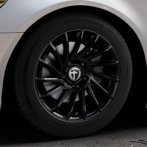 TOMASON TN16 Black painted Felge mit Reifen schwarz in 17Zoll Winterfelge Alufelge auf silbernem Audi A6 Typ 4G/C7 (Limousine) ⬇️ mit 15mm Tieferlegung ⬇️ Industriehalle 1 Thumbnail