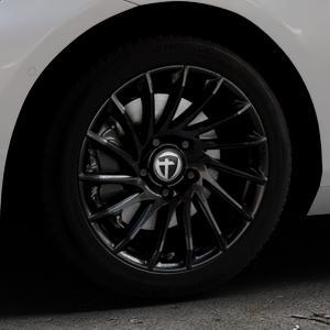 TOMASON TN16 Black painted Felge mit Reifen schwarz in 17Zoll Winterfelge Alufelge auf silbernem BMW 214d Typ F2AT (F45 Active Tourer) 216d 216i 218d 218i 220d xDrive 220i 225i 225xe ⬇️ mit 15mm Tieferlegung ⬇️ Industriehalle 1 Thumbnail