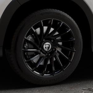 TOMASON TN16 Black painted Felge mit Reifen schwarz in 17Zoll Winterfelge Alufelge auf silbernem Honda HR-V II (RU) ⬇️ mit 15mm Tieferlegung ⬇️ Industriehalle 1 Thumbnail