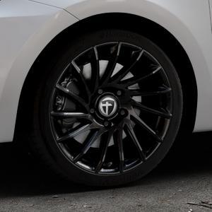 TOMASON TN16 Black painted Felge mit Reifen schwarz in 17Zoll Winterfelge Alufelge auf silbernem Suzuki Swift VI Typ AZ ⬇️ mit 15mm Tieferlegung ⬇️ Industriehalle 1 Thumbnail