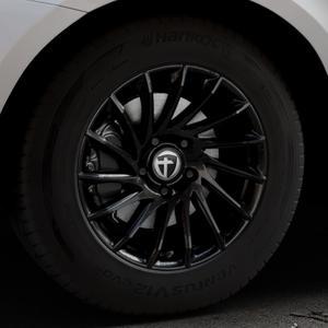 TOMASON TN16 Black painted Felge mit Reifen schwarz in 17Zoll Winterfelge Alufelge auf silbernem Volvo XC60 Typ D Facelift ⬇️ mit 15mm Tieferlegung ⬇️ Industriehalle 1 Thumbnail