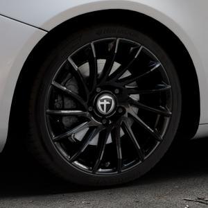 TOMASON TN16 Black painted Felge mit Reifen schwarz in 18Zoll Winterfelge Alufelge auf silbernem Alfa Romeo Giulietta Typ 940 ⬇️ mit 15mm Tieferlegung ⬇️ Industriehalle 1 Thumbnail