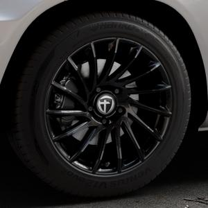 TOMASON TN16 Black painted Felge mit Reifen schwarz in 18Zoll Winterfelge Alufelge auf silbernem Mercedes GLK-Klasse Typ X204 Facelift ⬇️ mit 15mm Tieferlegung ⬇️ Industriehalle 1 Thumbnail